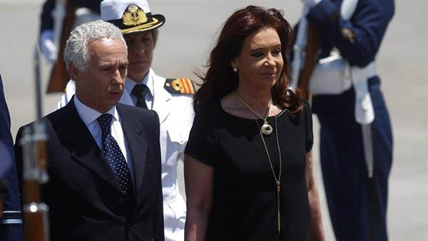Cristina Fernández arribó a Santiago de Chile en la mañana del Sábado. Foto: imagen de televisión.