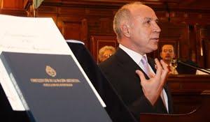 Ricardo Lorenzetti cayó en la red del terrorismo contra la República que denunció la diputada Elisa Carrió.