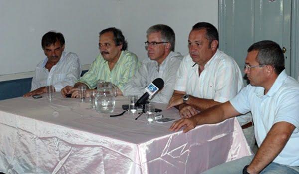 Ricardo Alfonsín ofreció una conferencia de prensa en Alvear. Foto: http://www.alvearya.com.ar/