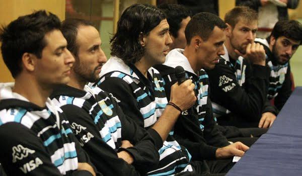Los jugadores de la Selección de Básquet echaron al presidente de la Confederación Argentina.