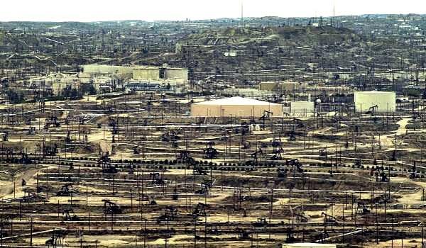 El fracking de Chevron en California genera rechazo de los ambientalistas de ese Estado noteamericano. El gobernador de Mendoza fue invitado a conocer la empresa.