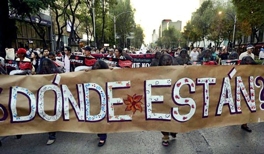 Mexicanos radicados en Estados Unidos salieron a las calles a protestar contra el presidente azteca por los estudiantes desaparecidos en Iguala. Foto: Twitter