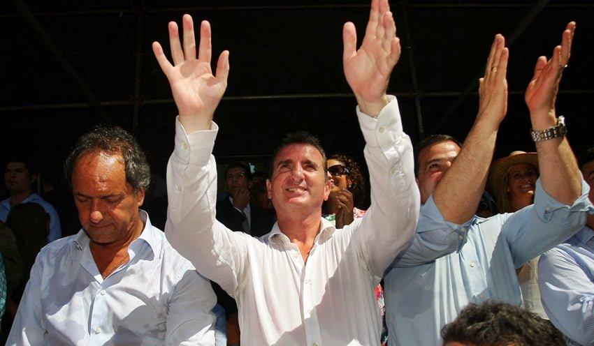 En el Carrusel Pérez le dio el centro de la escena al candidato Daniel Scioli. Foto: Prensa Gobierno de Mendoza