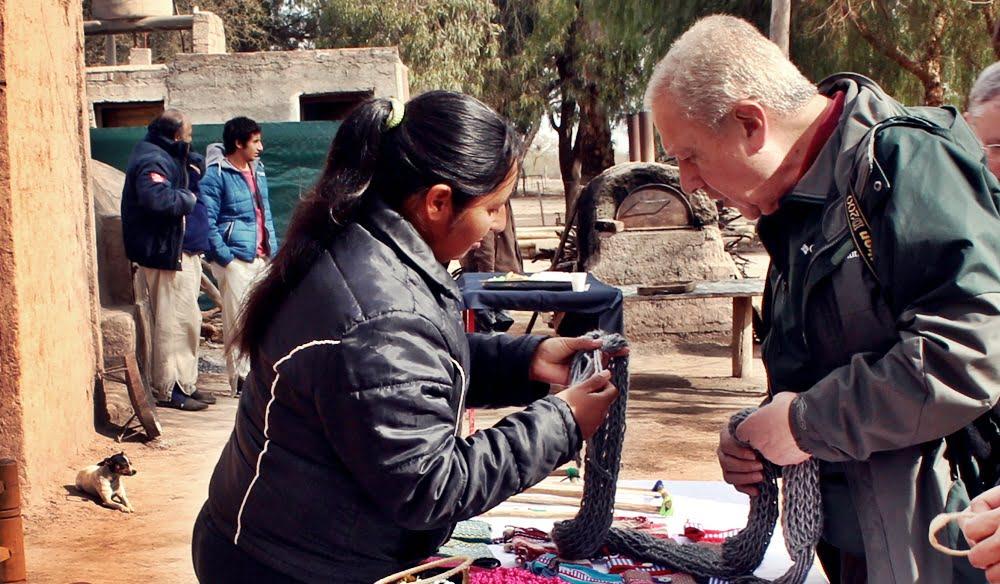 Los artesanos tienen un rol relevante en el negocio turístico que intentan abrir los empresarios y el gobierno. Foto: Prensa Gobierno de Mendoza