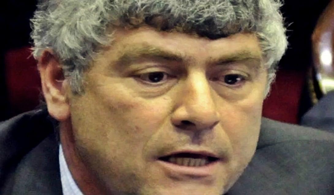 El radical Ricardo Buryaile, ministro de Agroindustria de Macri, pidió a los argentinos no comer carne si quieren que bajen los precios.